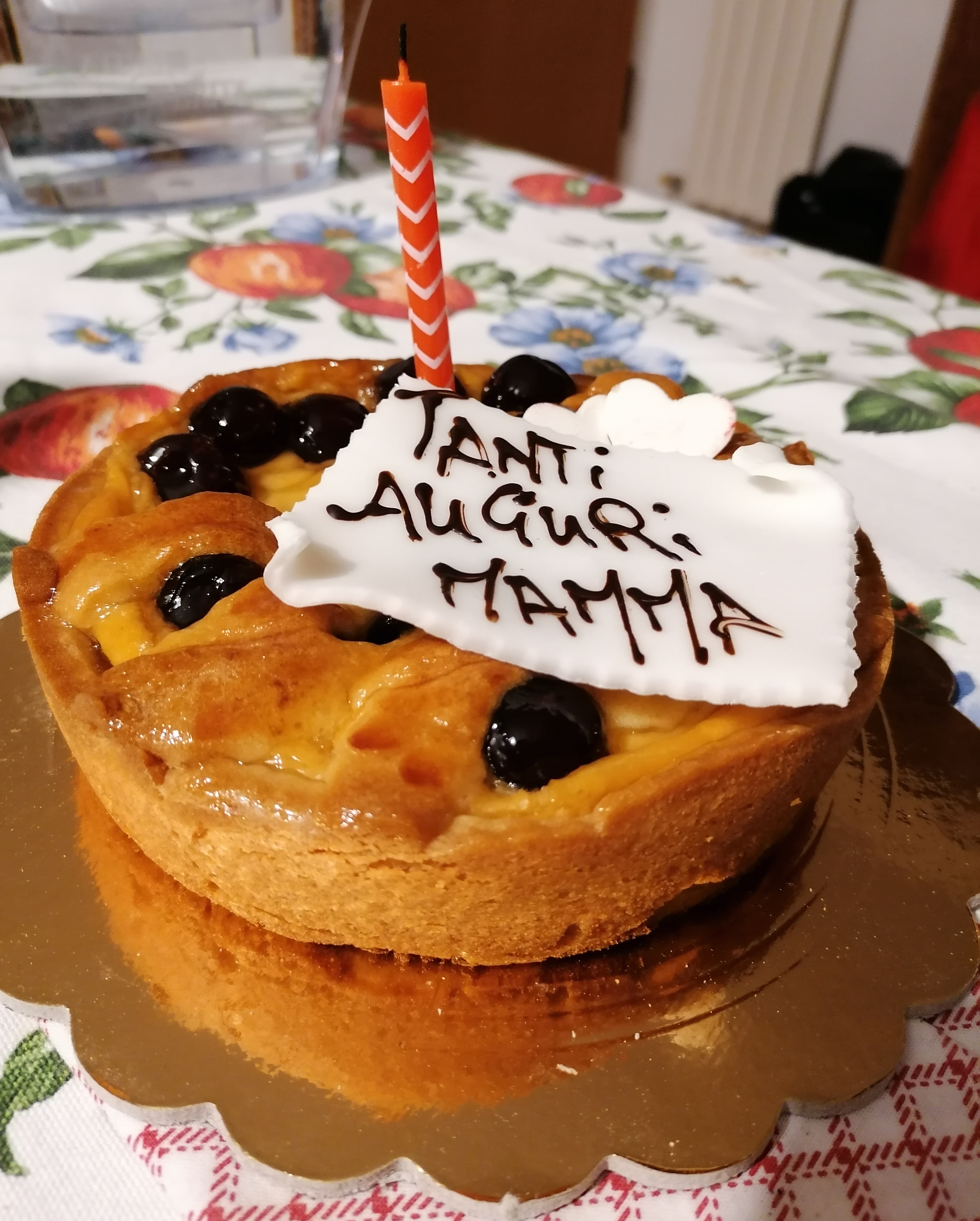 Torta di amarene caramellate, una crema leggera di vaniglia e confettura di amarene, leggera pasta frolla - Torteria Bellini